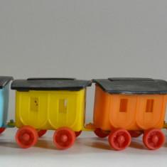 Jucarie veche - lot 2 trenulete plastic RDG, Germania, anii '80 - Jucarie de colectie