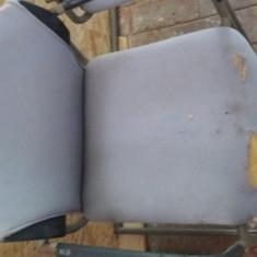 Vand scaune uzate pentru muncitori, vestiare, ateliere - Scaun gradina