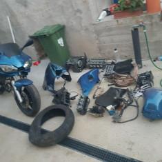 Dezmembrez yamaha r6 - Dezmembrari moto