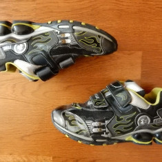 Adidasi Geox Respira Vero Cuoio cu luminite ce se aprind succesiv la calcare; 35 - Adidasi copii, Culoare: Din imagine