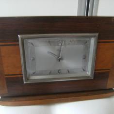 Frumos ceas de semineu, vechi, marcat Reger, carcasa lemn, prov.Austria, de colectie.