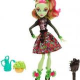 Papusa Monster High Gloom And Bloom Venus Mcflytrap