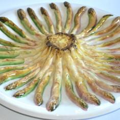 Superb platou vechi de majolica cu motive vegetale asparagus sau sparanghel - Arta Ceramica